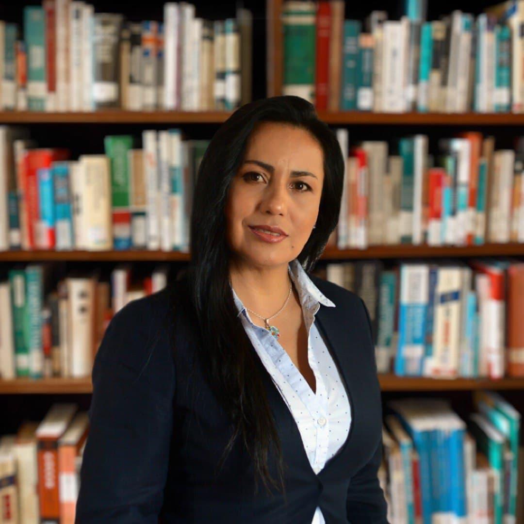 Elizabeth León